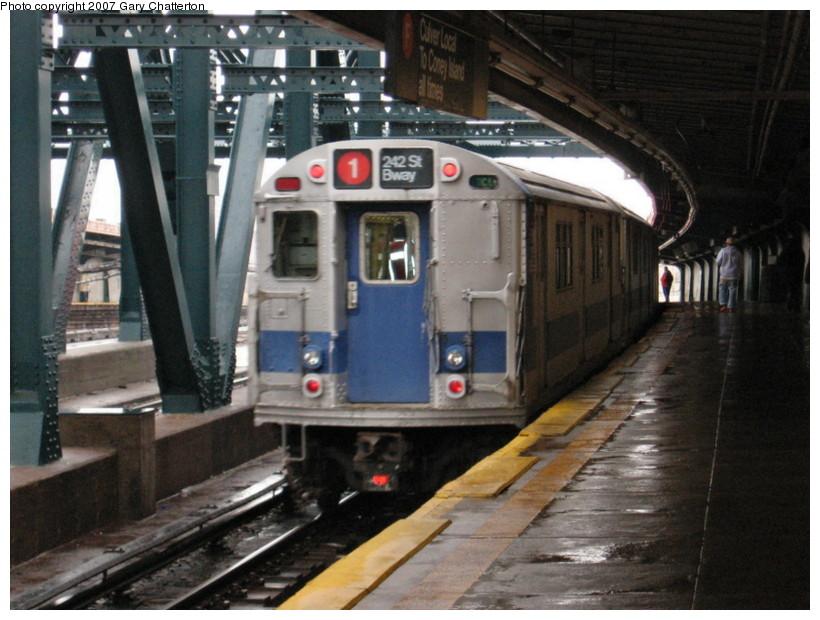 (142k, 820x620)<br><b>Country:</b> United States<br><b>City:</b> New York<br><b>System:</b> New York City Transit<br><b>Line:</b> IND Crosstown Line<br><b>Location:</b> Smith/9th Street <br><b>Car:</b> R-33 Main Line (St. Louis, 1962-63) 9206 <br><b>Photo by:</b> Gary Chatterton<br><b>Date:</b> 11/26/2007<br><b>Notes:</b> IRT SMEE museum train--museum equipment move.<br><b>Viewed (this week/total):</b> 4 / 3402