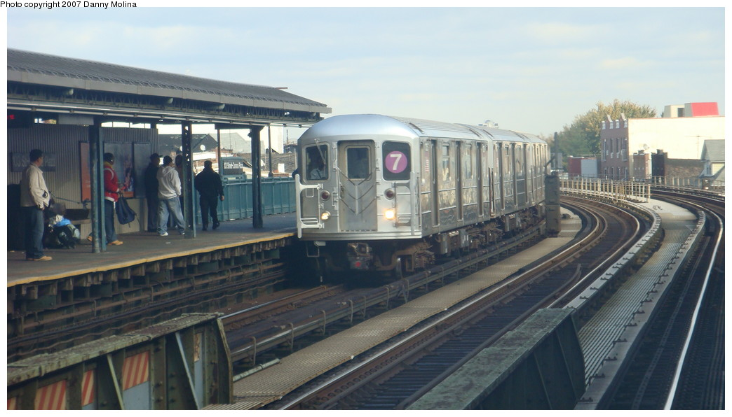 (175k, 1044x596)<br><b>Country:</b> United States<br><b>City:</b> New York<br><b>System:</b> New York City Transit<br><b>Line:</b> IRT Flushing Line<br><b>Location:</b> 111th Street <br><b>Route:</b> 7<br><b>Car:</b> R-62A (Bombardier, 1984-1987)   <br><b>Photo by:</b> Danny Molina<br><b>Date:</b> 11/11/2007<br><b>Viewed (this week/total):</b> 0 / 2384