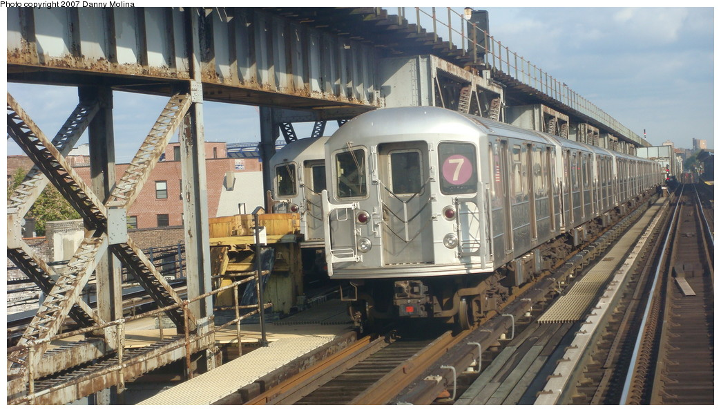 (235k, 1044x596)<br><b>Country:</b> United States<br><b>City:</b> New York<br><b>System:</b> New York City Transit<br><b>Line:</b> IRT Flushing Line<br><b>Location:</b> 111th Street <br><b>Route:</b> 7<br><b>Car:</b> R-62A (Bombardier, 1984-1987)   <br><b>Photo by:</b> Danny Molina<br><b>Date:</b> 11/11/2007<br><b>Viewed (this week/total):</b> 3 / 2732