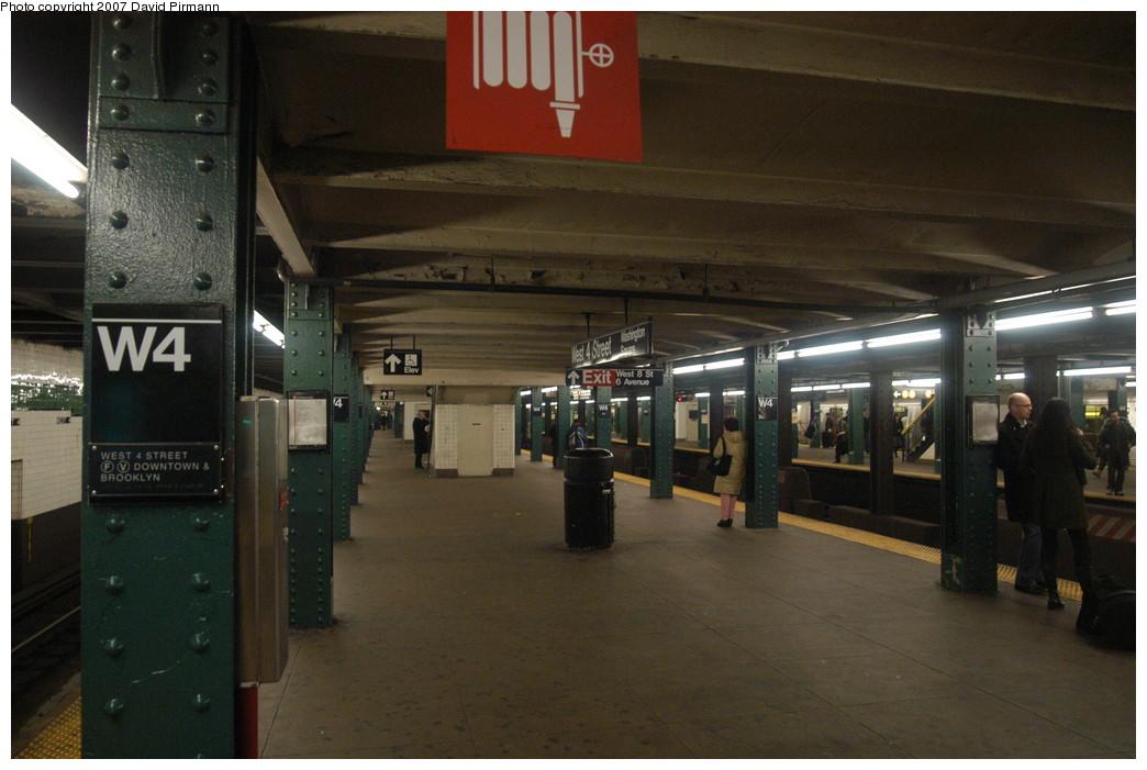 (215k, 1044x701)<br><b>Country:</b> United States<br><b>City:</b> New York<br><b>System:</b> New York City Transit<br><b>Line:</b> IND 6th Avenue Line<br><b>Location:</b> West 4th Street/Washington Square <br><b>Photo by:</b> David Pirmann<br><b>Date:</b> 12/9/2007<br><b>Notes:</b> Lower level.<br><b>Viewed (this week/total):</b> 1 / 1685