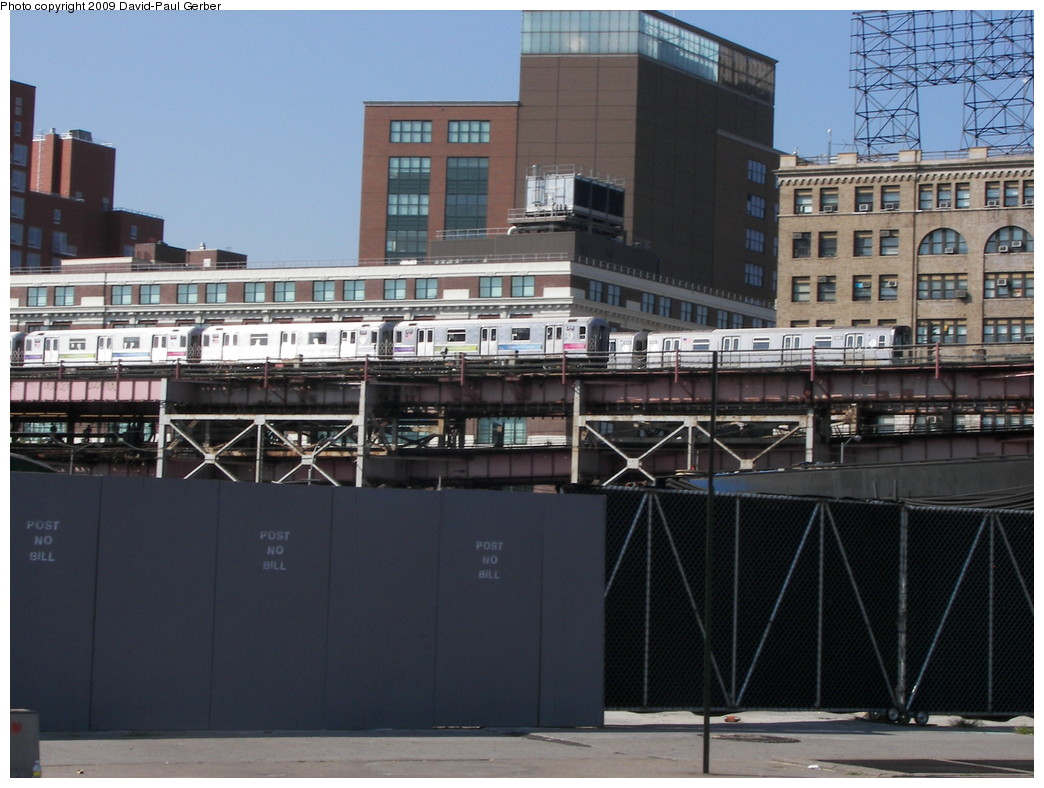 (261k, 1044x788)<br><b>Country:</b> United States<br><b>City:</b> New York<br><b>System:</b> New York City Transit<br><b>Line:</b> IRT Flushing Line<br><b>Location:</b> Queensborough Plaza <br><b>Route:</b> 7<br><b>Car:</b> R-62A (Bombardier, 1984-1987)   <br><b>Photo by:</b> David-Paul Gerber<br><b>Date:</b> 8/1/2009<br><b>Viewed (this week/total):</b> 0 / 1260