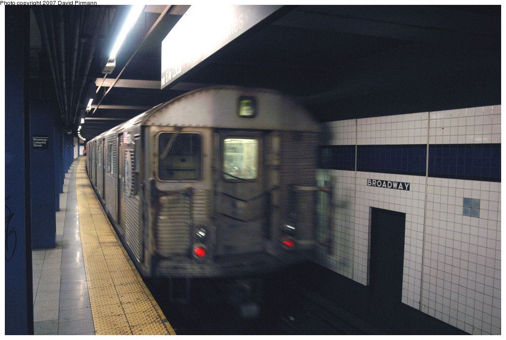 (227k, 1044x701)<br><b>Country:</b> United States<br><b>City:</b> New York<br><b>System:</b> New York City Transit<br><b>Line:</b> IND 6th Avenue Line<br><b>Location:</b> Broadway/Lafayette <br><b>Route:</b> E<br><b>Car:</b> R-32 (Budd, 1964)  3704 <br><b>Photo by:</b> David Pirmann<br><b>Date:</b> 12/9/2007<br><b>Viewed (this week/total):</b> 3 / 2121