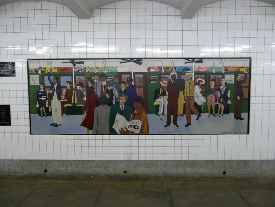 (105k, 950x716)<br><b>Country:</b> United States<br><b>City:</b> New York<br><b>System:</b> New York City Transit<br><b>Line:</b> IND Crosstown Line<br><b>Location:</b> Clinton/Washington Aves. <br><b>Photo by:</b> Robbie Rosenfeld<br><b>Date:</b> 11/27/2007<br><b>Artwork:</b> <i>Smith & 9th</i>, Gwynne Duncan (1998).<br><b>Viewed (this week/total):</b> 0 / 2318
