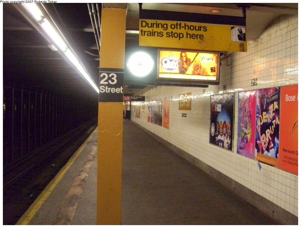 (214k, 1044x791)<br><b>Country:</b> United States<br><b>City:</b> New York<br><b>System:</b> New York City Transit<br><b>Line:</b> IND 8th Avenue Line<br><b>Location:</b> 23rd Street <br><b>Photo by:</b> Roberto C. Tobar<br><b>Date:</b> 12/5/2007<br><b>Viewed (this week/total):</b> 0 / 1858