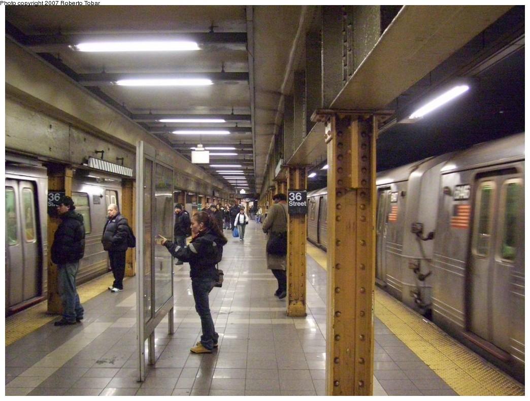(220k, 1044x790)<br><b>Country:</b> United States<br><b>City:</b> New York<br><b>System:</b> New York City Transit<br><b>Line:</b> BMT 4th Avenue<br><b>Location:</b> 36th Street <br><b>Photo by:</b> Roberto C. Tobar<br><b>Date:</b> 12/8/2007<br><b>Viewed (this week/total):</b> 3 / 2387