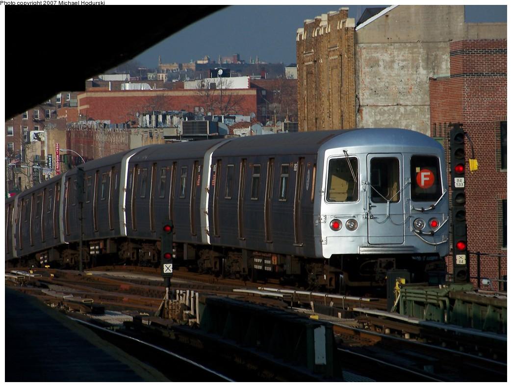 (219k, 1044x789)<br><b>Country:</b> United States<br><b>City:</b> New York<br><b>System:</b> New York City Transit<br><b>Line:</b> BMT Culver Line<br><b>Location:</b> Ditmas Avenue <br><b>Route:</b> F<br><b>Car:</b> R-46 (Pullman-Standard, 1974-75) 6106 <br><b>Photo by:</b> Michael Hodurski<br><b>Date:</b> 12/8/2007<br><b>Viewed (this week/total):</b> 0 / 2224