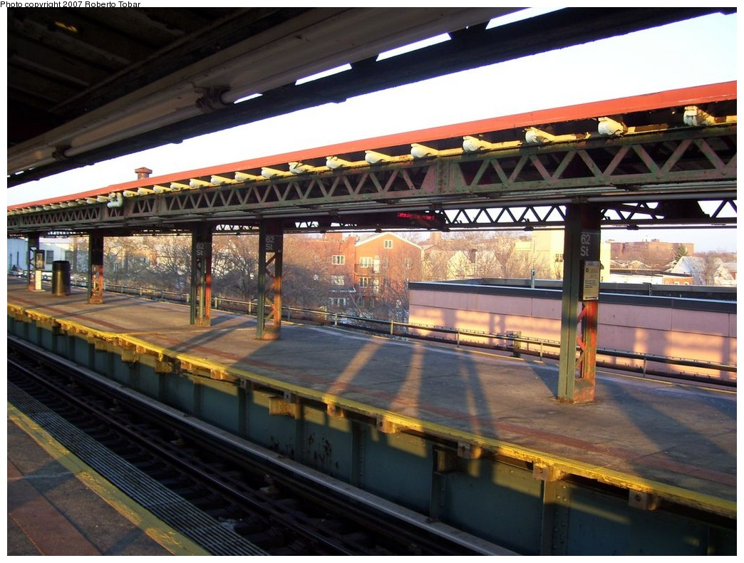 (226k, 1044x790)<br><b>Country:</b> United States<br><b>City:</b> New York<br><b>System:</b> New York City Transit<br><b>Line:</b> BMT West End Line<br><b>Location:</b> 62nd Street <br><b>Photo by:</b> Roberto C. Tobar<br><b>Date:</b> 12/8/2007<br><b>Viewed (this week/total):</b> 0 / 975