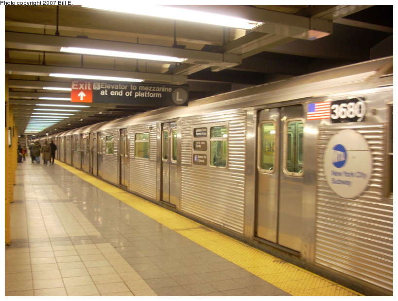 (168k, 819x619)<br><b>Country:</b> United States<br><b>City:</b> New York<br><b>System:</b> New York City Transit<br><b>Line:</b> IND 8th Avenue Line<br><b>Location:</b> 14th Street <br><b>Route:</b> E<br><b>Car:</b> R-32 (Budd, 1964)  3680 <br><b>Photo by:</b> Bill E.<br><b>Date:</b> 12/9/2007<br><b>Viewed (this week/total):</b> 0 / 2481