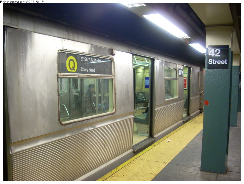 (159k, 819x619)<br><b>Country:</b> United States<br><b>City:</b> New York<br><b>System:</b> New York City Transit<br><b>Line:</b> BMT Broadway Line<br><b>Location:</b> Times Square/42nd Street <br><b>Route:</b> Q<br><b>Car:</b> R-40M (St. Louis, 1969)  4472 <br><b>Photo by:</b> Bill E.<br><b>Date:</b> 12/9/2007<br><b>Viewed (this week/total):</b> 1 / 3616