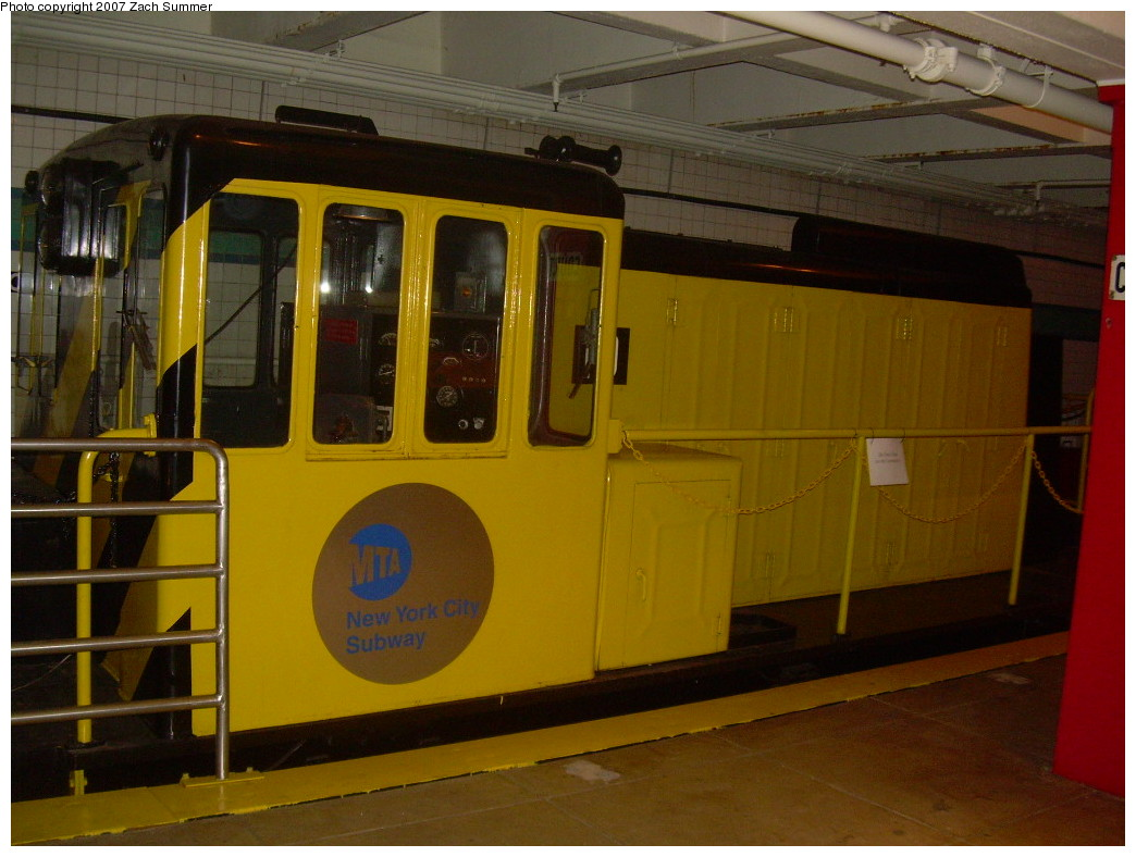 (233k, 1044x788)<br><b>Country:</b> United States<br><b>City:</b> New York<br><b>System:</b> New York City Transit<br><b>Location:</b> New York Transit Museum<br><b>Car:</b> GE 70-ton Locomotive (orig. for Speno Train)  10 <br><b>Photo by:</b> Zach Summer<br><b>Date:</b> 8/18/2007<br><b>Viewed (this week/total):</b> 6 / 2927