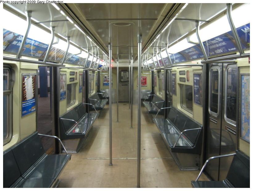 (138k, 820x620)<br><b>Country:</b> United States<br><b>City:</b> New York<br><b>System:</b> New York City Transit<br><b>Car:</b> R-40M (St. Louis, 1969)  4477 <br><b>Photo by:</b> Gary Chatterton<br><b>Date:</b> 8/12/2009<br><b>Viewed (this week/total):</b> 1 / 1066