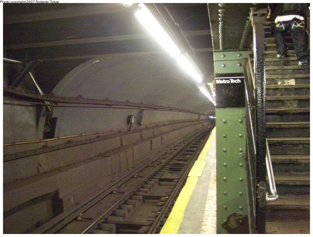 (207k, 1044x790)<br><b>Country:</b> United States<br><b>City:</b> New York<br><b>System:</b> New York City Transit<br><b>Line:</b> BMT Broadway Line<br><b>Location:</b> Jay St./Metrotech (Lawrence St.) <br><b>Photo by:</b> Roberto C. Tobar<br><b>Date:</b> 12/8/2007<br><b>Viewed (this week/total):</b> 0 / 2569