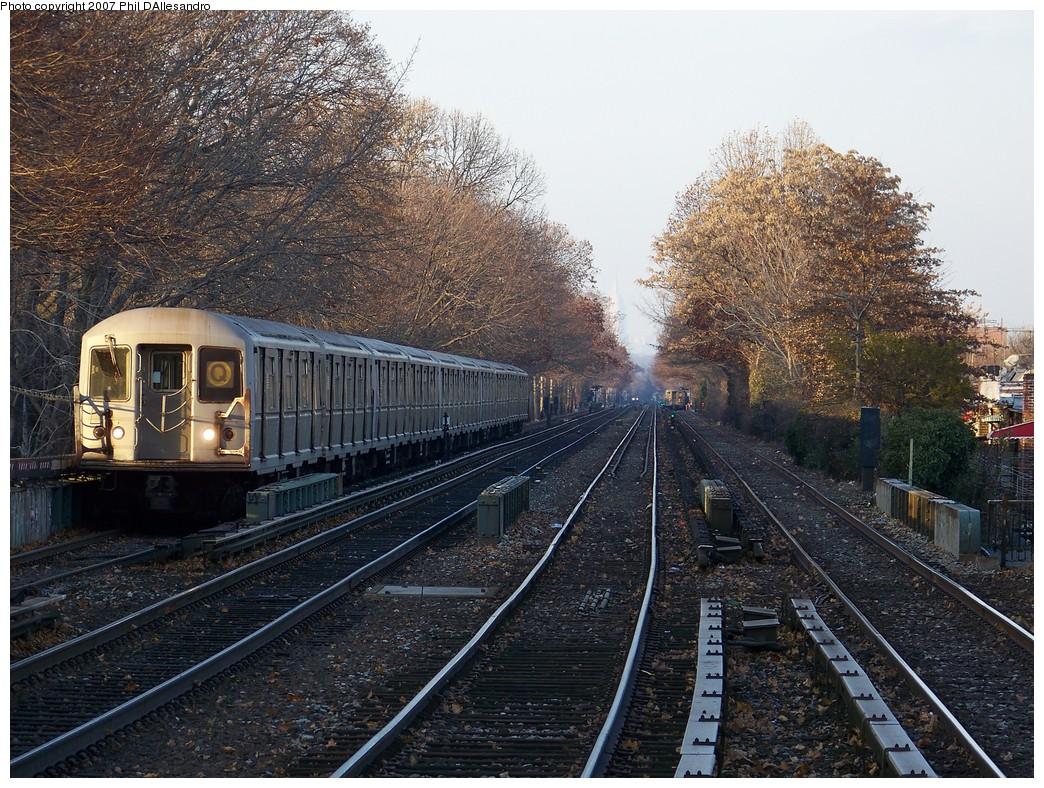 (325k, 1044x788)<br><b>Country:</b> United States<br><b>City:</b> New York<br><b>System:</b> New York City Transit<br><b>Line:</b> BMT Brighton Line<br><b>Location:</b> Kings Highway <br><b>Route:</b> Q<br><b>Car:</b> R-40M (St. Louis, 1969)  4472 <br><b>Photo by:</b> Philip D'Allesandro<br><b>Date:</b> 12/8/2007<br><b>Viewed (this week/total):</b> 0 / 2045