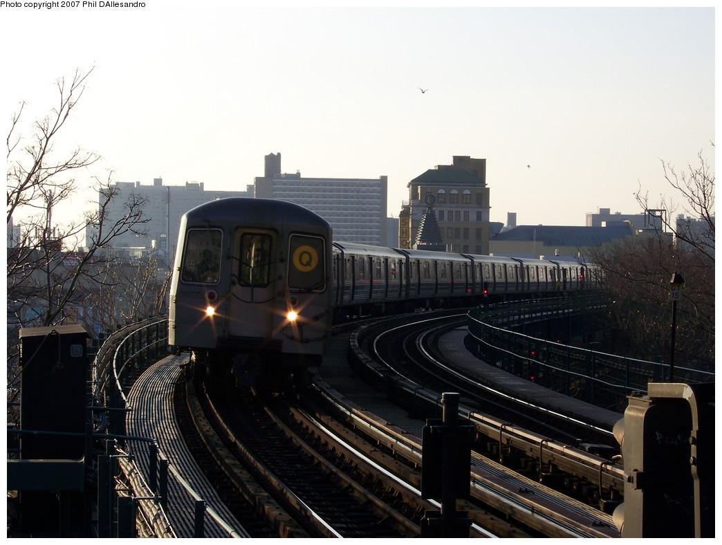 (197k, 1044x788)<br><b>Country:</b> United States<br><b>City:</b> New York<br><b>System:</b> New York City Transit<br><b>Line:</b> BMT Brighton Line<br><b>Location:</b> West 8th Street <br><b>Route:</b> Q<br><b>Car:</b> R-68A (Kawasaki, 1988-1989)  5180 <br><b>Photo by:</b> Philip D'Allesandro<br><b>Date:</b> 12/8/2007<br><b>Viewed (this week/total):</b> 1 / 1591