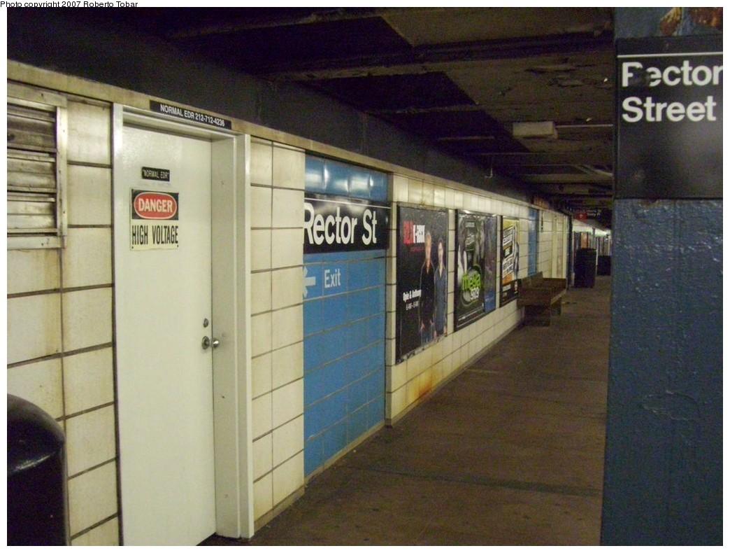 (201k, 1044x790)<br><b>Country:</b> United States<br><b>City:</b> New York<br><b>System:</b> New York City Transit<br><b>Line:</b> BMT Broadway Line<br><b>Location:</b> Rector Street <br><b>Photo by:</b> Roberto C. Tobar<br><b>Date:</b> 12/8/2007<br><b>Viewed (this week/total):</b> 2 / 1733