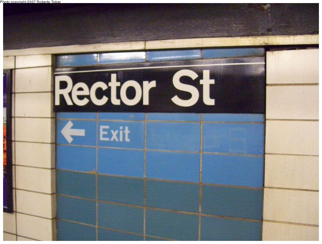 (184k, 1044x790)<br><b>Country:</b> United States<br><b>City:</b> New York<br><b>System:</b> New York City Transit<br><b>Line:</b> BMT Broadway Line<br><b>Location:</b> Rector Street <br><b>Photo by:</b> Roberto C. Tobar<br><b>Date:</b> 12/8/2007<br><b>Viewed (this week/total):</b> 0 / 1560