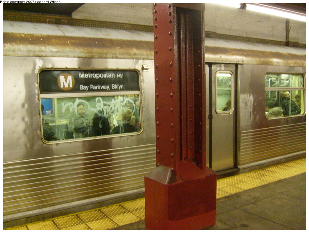 (256k, 1044x788)<br><b>Country:</b> United States<br><b>City:</b> New York<br><b>System:</b> New York City Transit<br><b>Line:</b> BMT Nassau Street/Jamaica Line<br><b>Location:</b> Bowery <br><b>Route:</b> M<br><b>Car:</b> R-42 (St. Louis, 1969-1970)   <br><b>Photo by:</b> Leonard Wilson<br><b>Date:</b> 9/7/2007<br><b>Viewed (this week/total):</b> 1 / 3062