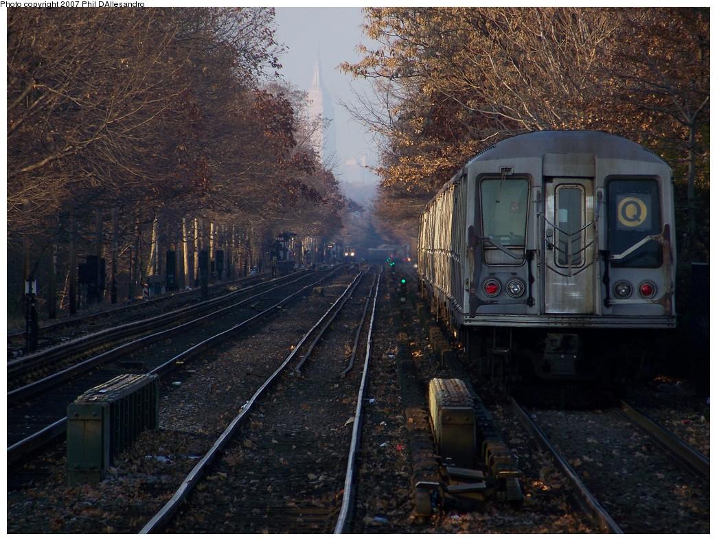(277k, 1044x788)<br><b>Country:</b> United States<br><b>City:</b> New York<br><b>System:</b> New York City Transit<br><b>Line:</b> BMT Brighton Line<br><b>Location:</b> Kings Highway <br><b>Route:</b> Q<br><b>Car:</b> R-40 (St. Louis, 1968)  4246 <br><b>Photo by:</b> Philip D'Allesandro<br><b>Date:</b> 12/8/2007<br><b>Viewed (this week/total):</b> 2 / 2136
