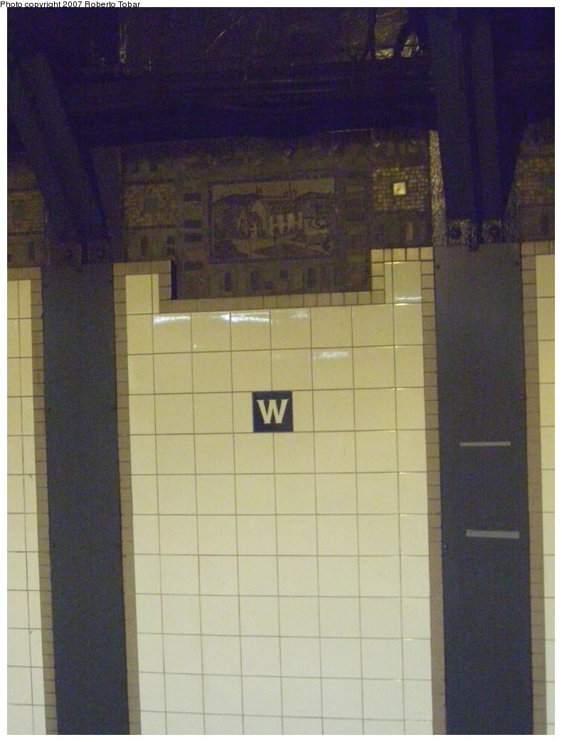 (174k, 790x1044)<br><b>Country:</b> United States<br><b>City:</b> New York<br><b>System:</b> New York City Transit<br><b>Line:</b> BMT Broadway Line<br><b>Location:</b> Whitehall Street <br><b>Photo by:</b> Roberto C. Tobar<br><b>Date:</b> 12/8/2007<br><b>Viewed (this week/total):</b> 3 / 1667