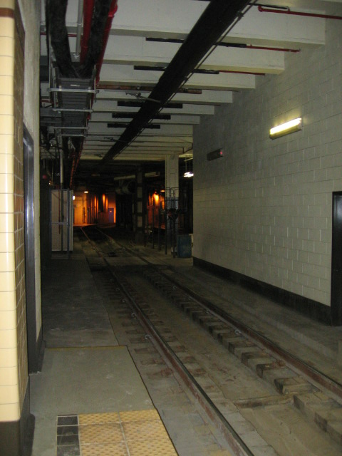 (93k, 480x640)<br><b>Country:</b> United States<br><b>City:</b> Newark, NJ<br><b>System:</b> Newark City Subway<br><b>Location:</b> Penn Station <br><b>Photo by:</b> Eli Dardis<br><b>Date:</b> 12/2/2007<br><b>Viewed (this week/total):</b> 1 / 1719