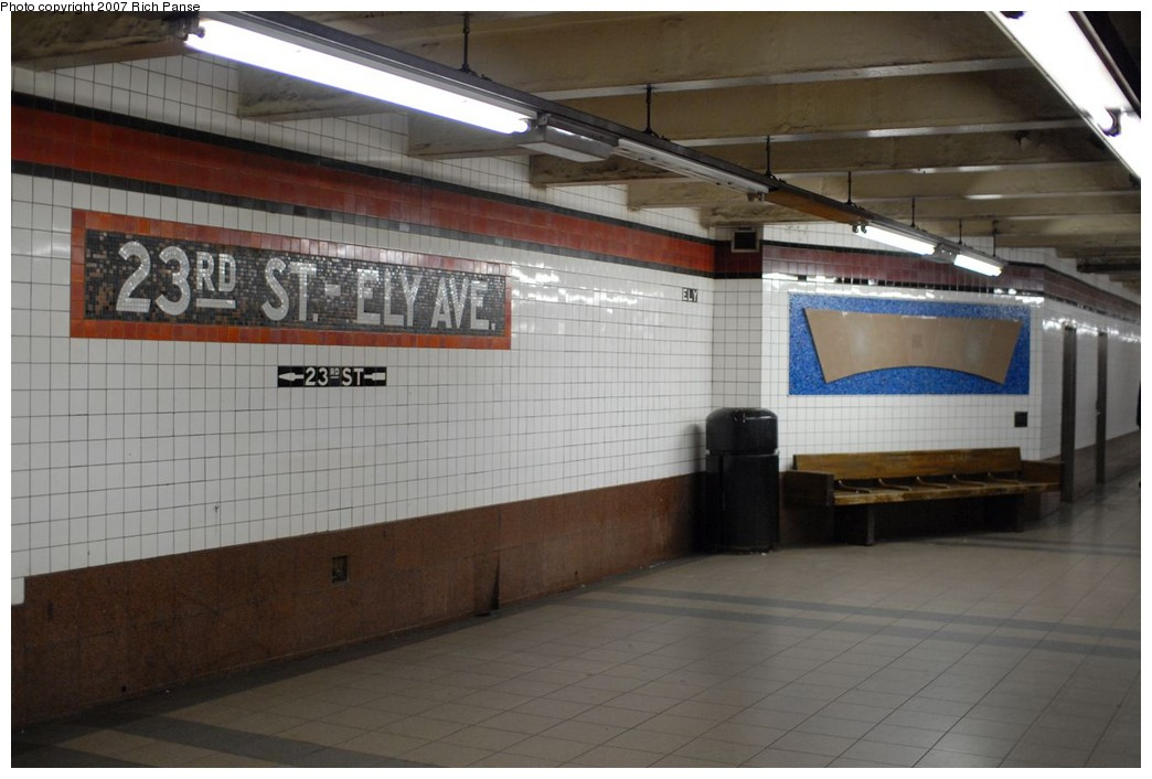 (153k, 1044x706)<br><b>Country:</b> United States<br><b>City:</b> New York<br><b>System:</b> New York City Transit<br><b>Line:</b> IND Queens Boulevard Line<br><b>Location:</b> Court Square/23rd St (Ely Avenue) <br><b>Photo by:</b> Richard Panse<br><b>Date:</b> 12/9/2007<br><b>Notes:</b> Platform view.<br><b>Viewed (this week/total):</b> 2 / 1672