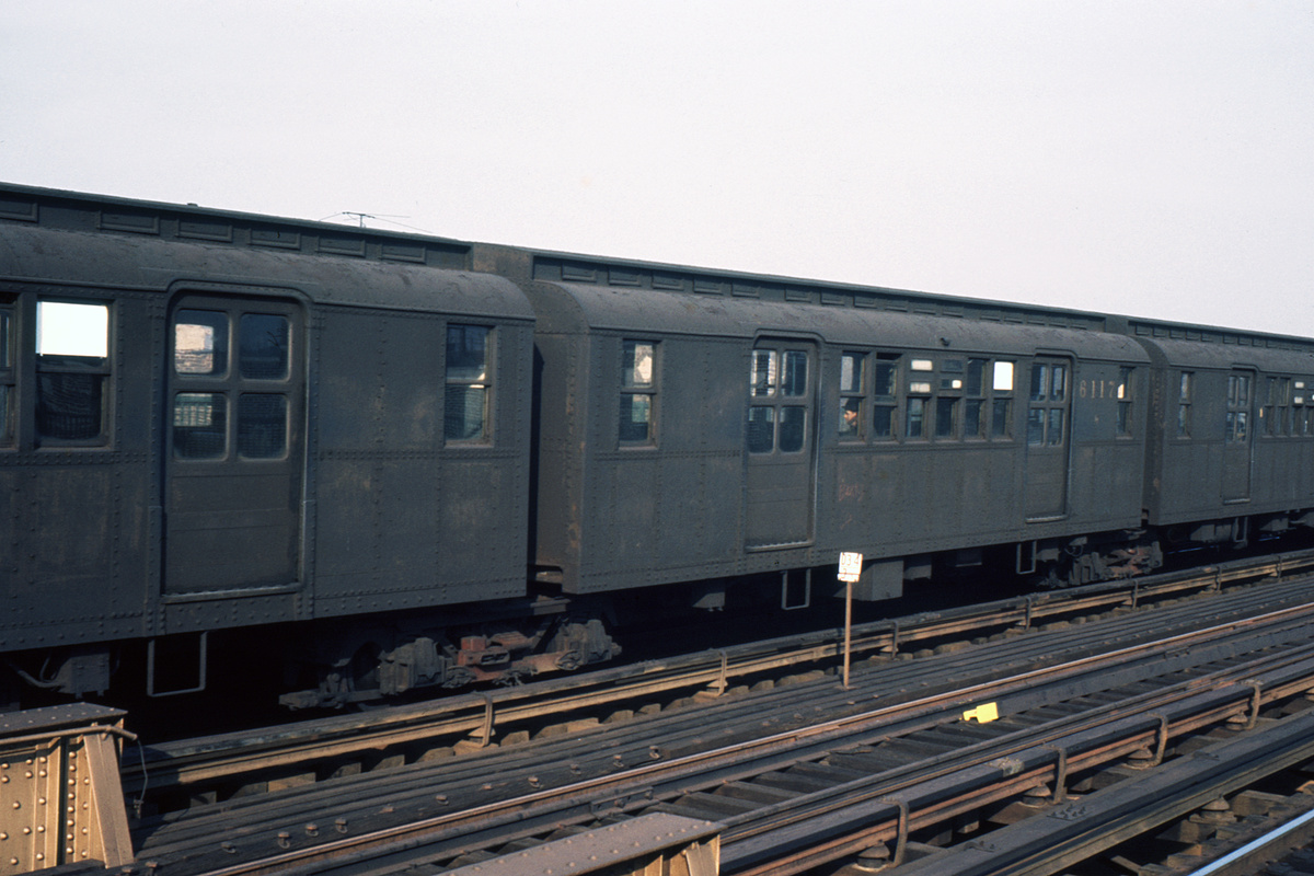 (288k, 1024x683)<br><b>Country:</b> United States<br><b>City:</b> New York<br><b>System:</b> New York City Transit<br><b>Line:</b> BMT West End Line<br><b>Car:</b> BMT D-Type Triplex 6117 <br><b>Photo by:</b> Ed Davis, Sr.<br><b>Collection of:</b> David Pirmann<br><b>Date:</b> 12/1964<br><b>Viewed (this week/total):</b> 0 / 2181