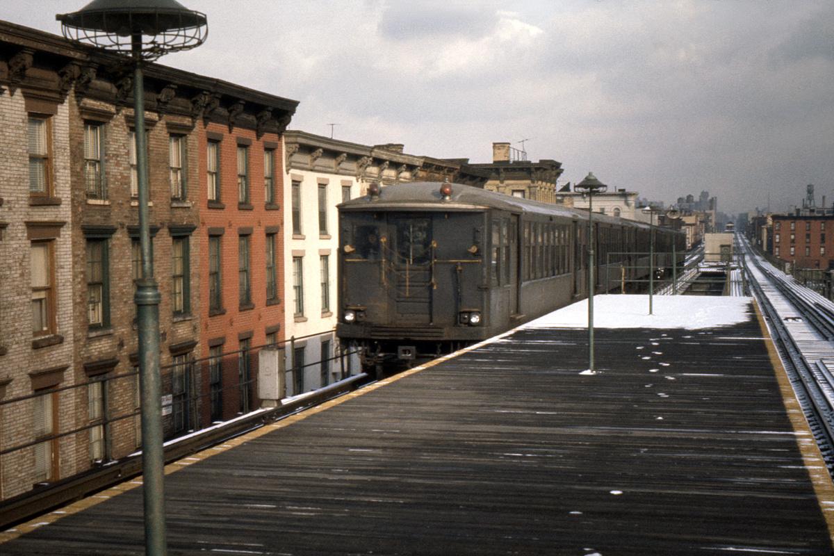(515k, 1200x800)<br><b>Country:</b> United States<br><b>City:</b> New York<br><b>System:</b> New York City Transit<br><b>Line:</b> BMT Myrtle Avenue Line<br><b>Location:</b> Washington Avenue<br><b>Car:</b> BMT Q  <br><b>Photo by:</b> Ed Davis, Sr.<br><b>Collection of:</b> David Pirmann<br><b>Date:</b> 2/1964<br><b>Viewed (this week/total):</b> 4 / 3756