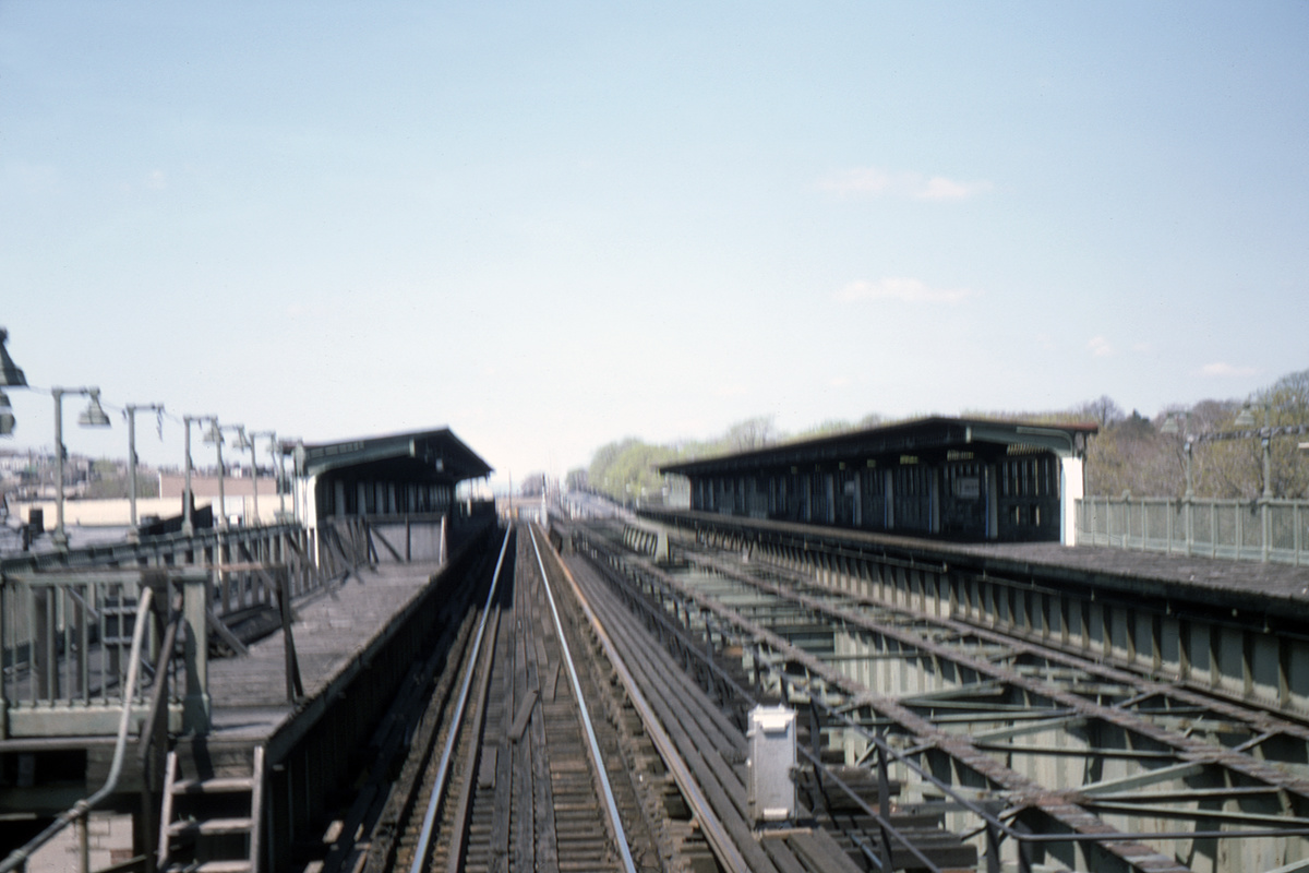 (312k, 1024x682)<br><b>Country:</b> United States<br><b>City:</b> New York<br><b>System:</b> New York City Transit<br><b>Line:</b> BMT Culver Line<br><b>Location:</b> Fort Hamilton Parkway <br><b>Photo by:</b> Ed Davis, Sr.<br><b>Collection of:</b> David Pirmann<br><b>Date:</b> 5/1975<br><b>Viewed (this week/total):</b> 0 / 4155