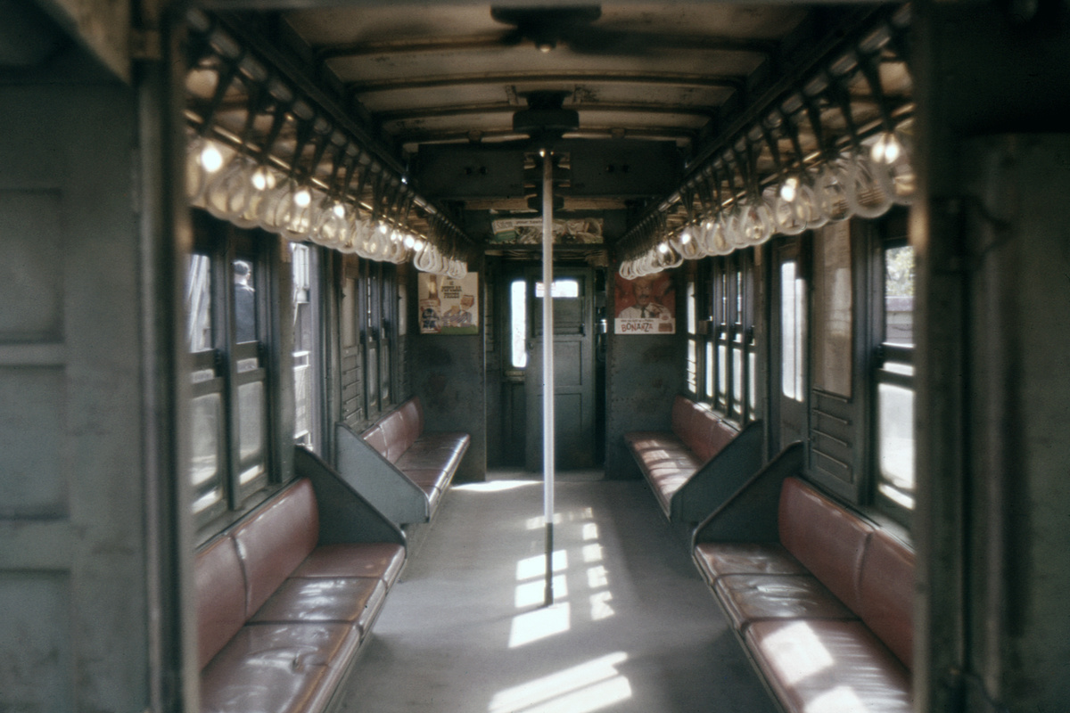 (312k, 1024x683)<br><b>Country:</b> United States<br><b>City:</b> New York<br><b>System:</b> New York City Transit<br><b>Car:</b> Low-V 4643 <br><b>Photo by:</b> Ed Davis, Sr.<br><b>Collection of:</b> David Pirmann<br><b>Date:</b> 9/1963<br><b>Viewed (this week/total):</b> 3 / 2601