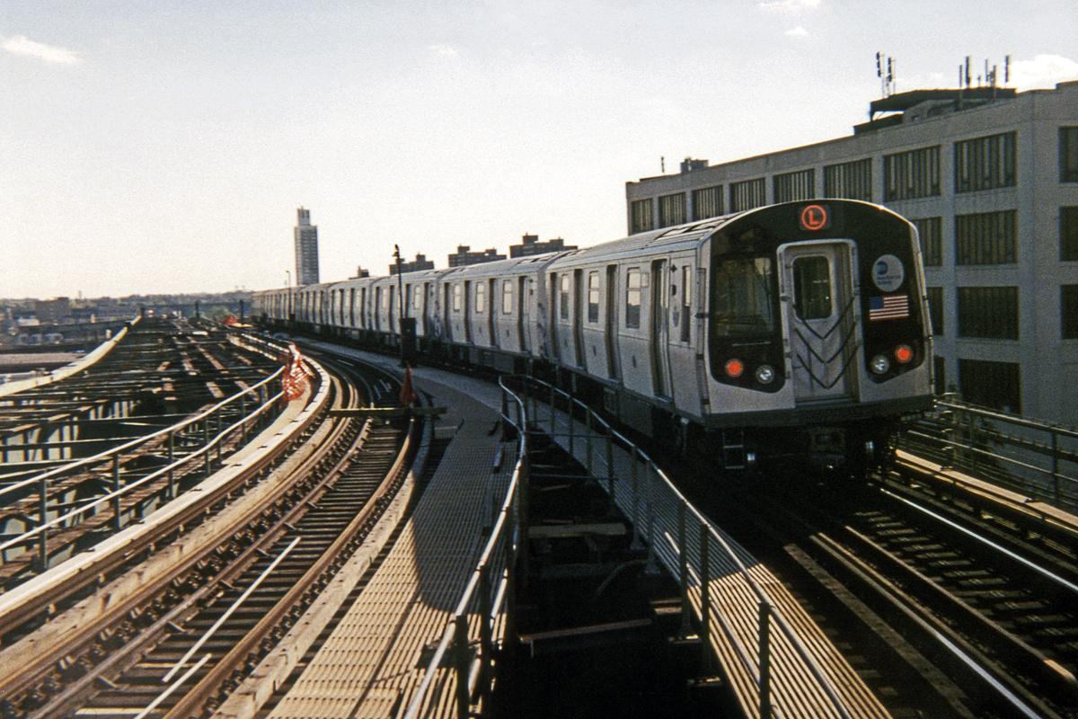 (439k, 1044x706)<br><b>Country:</b> United States<br><b>City:</b> New York<br><b>System:</b> New York City Transit<br><b>Line:</b> BMT Canarsie Line<br><b>Location:</b> Atlantic Avenue <br><b>Car:</b> R-143 (Kawasaki, 2001-2002)  <br><b>Photo by:</b> Ed Davis, Sr.<br><b>Collection of:</b> David Pirmann<br><b>Date:</b> 10/2002<br><b>Viewed (this week/total):</b> 2 / 2191