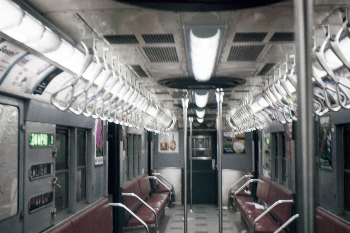 (191k, 1024x683)<br><b>Country:</b> United States<br><b>City:</b> New York<br><b>System:</b> New York City Transit<br><b>Car:</b> R-21/R-22 Series (Number Unknown) Interior <br><b>Photo by:</b> Ed Davis, Sr.<br><b>Collection of:</b> David Pirmann<br><b>Date:</b> 11/1960<br><b>Viewed (this week/total):</b> 2 / 2871