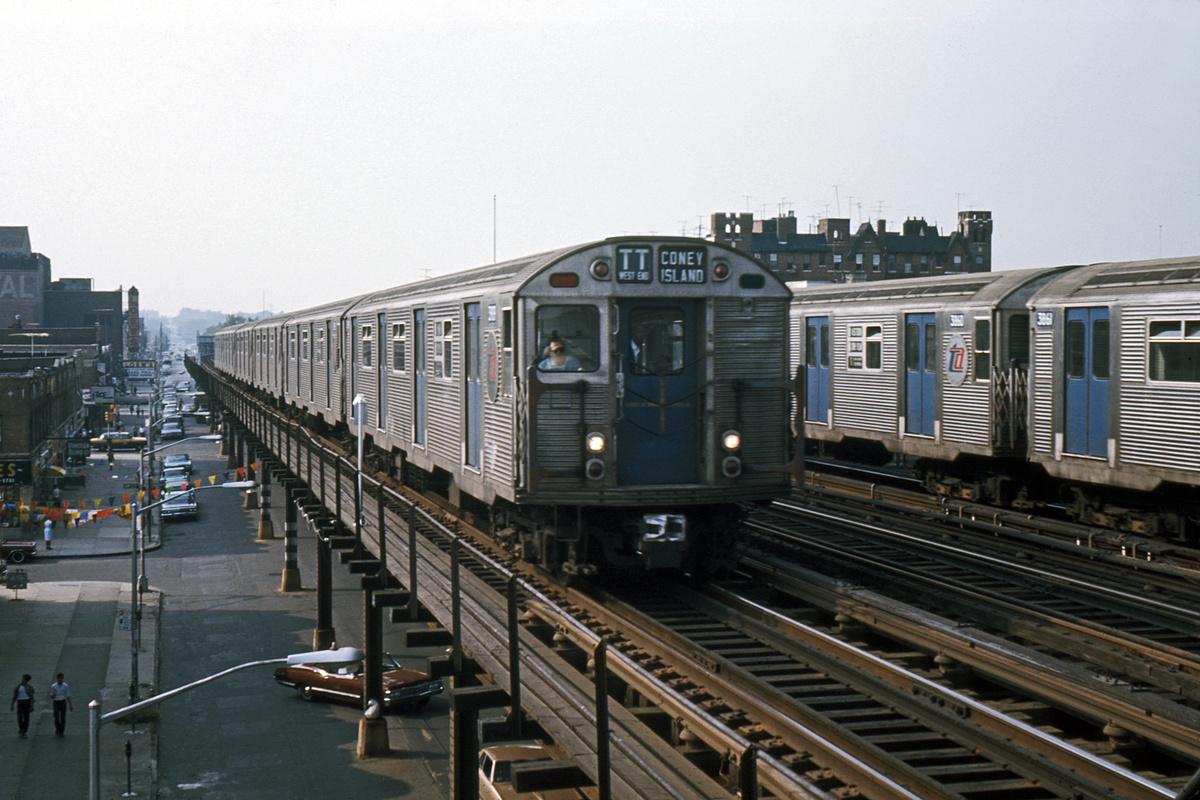 (373k, 1044x710)<br><b>Country:</b> United States<br><b>City:</b> New York<br><b>System:</b> New York City Transit<br><b>Line:</b> BMT West End Line<br><b>Location:</b> 20th Avenue <br><b>Route:</b> TT<br><b>Car:</b> R-32 (Budd, 1964)   <br><b>Photo by:</b> Ed Davis, Sr.<br><b>Collection of:</b> David Pirmann<br><b>Date:</b> 8/1967<br><b>Viewed (this week/total):</b> 13 / 4499