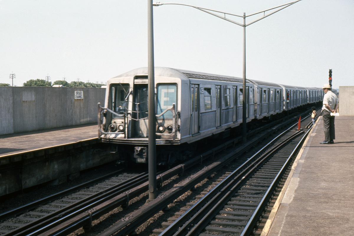 (379k, 1024x682)<br><b>Country:</b> United States<br><b>City:</b> New York<br><b>System:</b> New York City Transit<br><b>Line:</b> IND Rockaway<br><b>Location:</b> Broad Channel <br><b>Car:</b> R-40 (St. Louis, 1968)  4256 <br><b>Photo by:</b> Ed Davis, Sr.<br><b>Collection of:</b> David Pirmann<br><b>Date:</b> 9/1972<br><b>Viewed (this week/total):</b> 4 / 3200