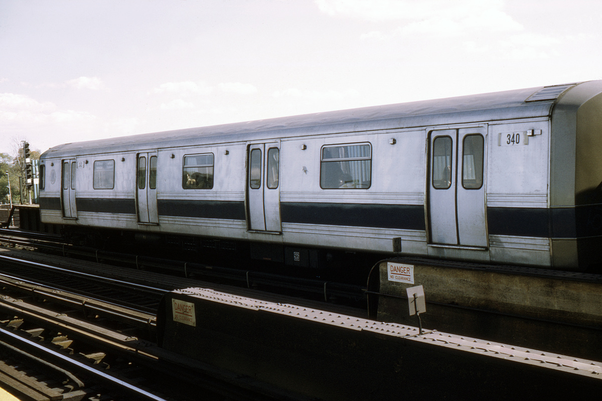(320k, 1024x682)<br><b>Country:</b> United States<br><b>City:</b> New York<br><b>System:</b> New York City Transit<br><b>Line:</b> IND Fulton Street Line<br><b>Location:</b> 80th Street/Hudson Street <br><b>Car:</b> R-44 (St. Louis, 1971-73) 340 <br><b>Photo by:</b> Ed Davis, Sr.<br><b>Collection of:</b> David Pirmann<br><b>Date:</b> 1/1974<br><b>Viewed (this week/total):</b> 20 / 3635
