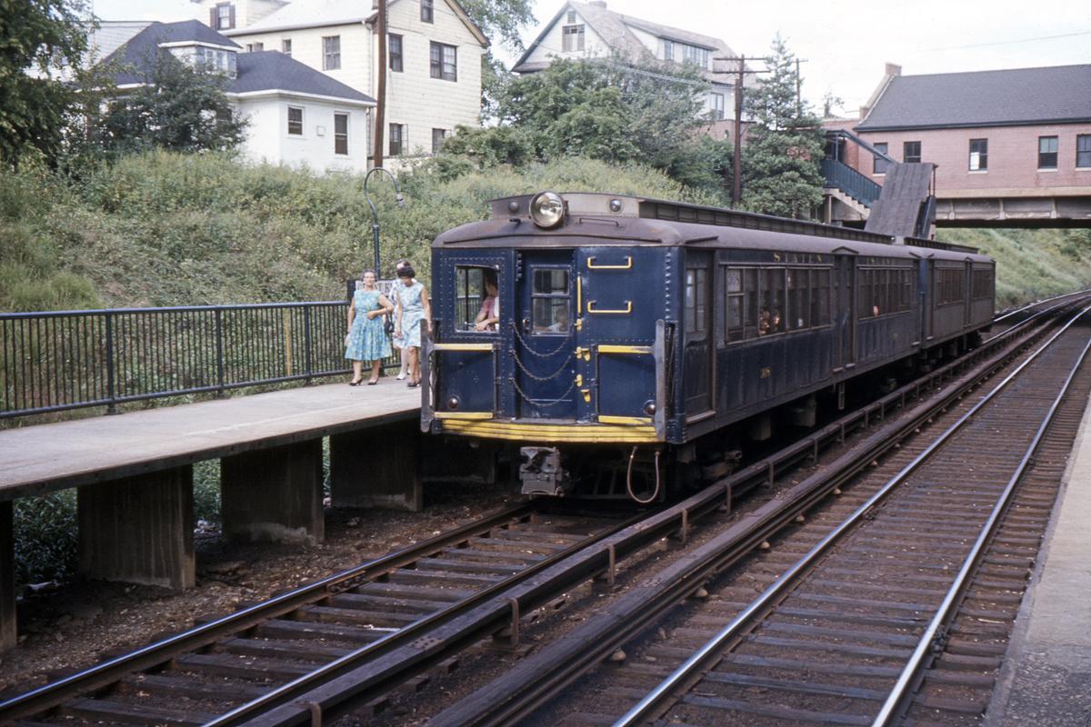 (494k, 1044x726)<br><b>Country:</b> United States<br><b>City:</b> New York<br><b>System:</b> New York City Transit<br><b>Line:</b> SIRT<br><b>Location:</b> Great Kills <br><b>Car:</b> SIRT  <br><b>Photo by:</b> Ed Davis, Sr.<br><b>Collection of:</b> David Pirmann<br><b>Date:</b> 12/1966<br><b>Viewed (this week/total):</b> 3 / 3630