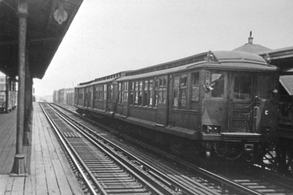 (224k, 1044x718)<br><b>Country:</b> United States<br><b>City:</b> New York<br><b>System:</b> New York City Transit<br><b>Line:</b> BMT Fulton<br><b>Location:</b> Crescent Street <br><b>Car:</b> BMT C 1510 <br><b>Photo by:</b> Robert C. Marcus<br><b>Collection of:</b> David Pirmann<br><b>Viewed (this week/total):</b> 1 / 2293