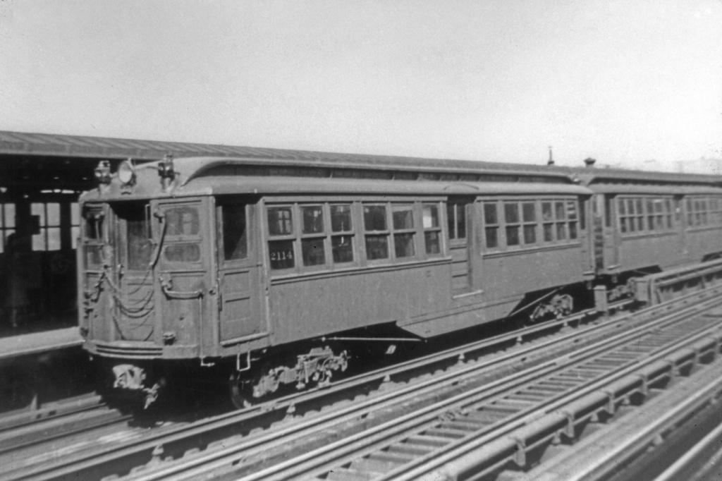 (196k, 1024x682)<br><b>Country:</b> United States<br><b>City:</b> New York<br><b>System:</b> New York City Transit<br><b>Line:</b> IRT Woodlawn Line<br><b>Location:</b> 167th Street <br><b>Car:</b> Hi-V 2114 <br><b>Photo by:</b> Robert C. Marcus<br><b>Collection of:</b> David Pirmann<br><b>Viewed (this week/total):</b> 1 / 3348