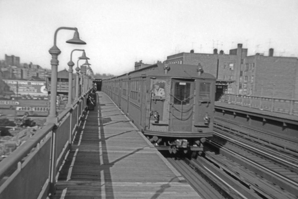 (224k, 1044x717)<br><b>Country:</b> United States<br><b>City:</b> New York<br><b>System:</b> New York City Transit<br><b>Line:</b> IRT West Side Line<br><b>Location:</b> 238th Street <br><b>Car:</b> Hi-V 3878 <br><b>Photo by:</b> Franklin B. Roberts<br><b>Collection of:</b> David Pirmann<br><b>Viewed (this week/total):</b> 4 / 3304