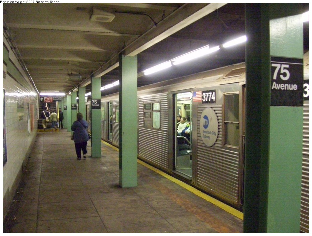 (216k, 1044x790)<br><b>Country:</b> United States<br><b>City:</b> New York<br><b>System:</b> New York City Transit<br><b>Line:</b> IND Queens Boulevard Line<br><b>Location:</b> 75th Avenue <br><b>Route:</b> E<br><b>Car:</b> R-32 (Budd, 1964)  3776 <br><b>Photo by:</b> Roberto C. Tobar<br><b>Date:</b> 12/14/2007<br><b>Viewed (this week/total):</b> 1 / 2534