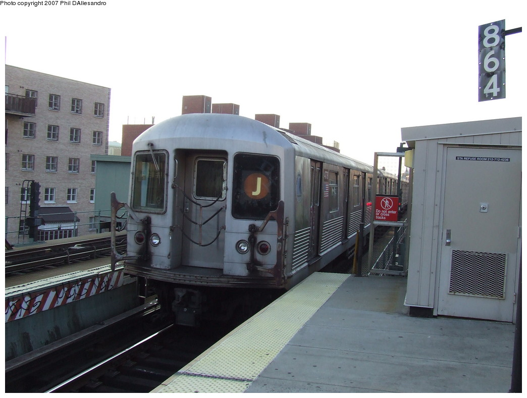 (178k, 1044x788)<br><b>Country:</b> United States<br><b>City:</b> New York<br><b>System:</b> New York City Transit<br><b>Line:</b> BMT Nassau Street/Jamaica Line<br><b>Location:</b> Lorimer Street <br><b>Route:</b> J<br><b>Car:</b> R-42 (St. Louis, 1969-1970)  4778 <br><b>Photo by:</b> John Barnes<br><b>Date:</b> 10/4/2007<br><b>Viewed (this week/total):</b> 3 / 2336