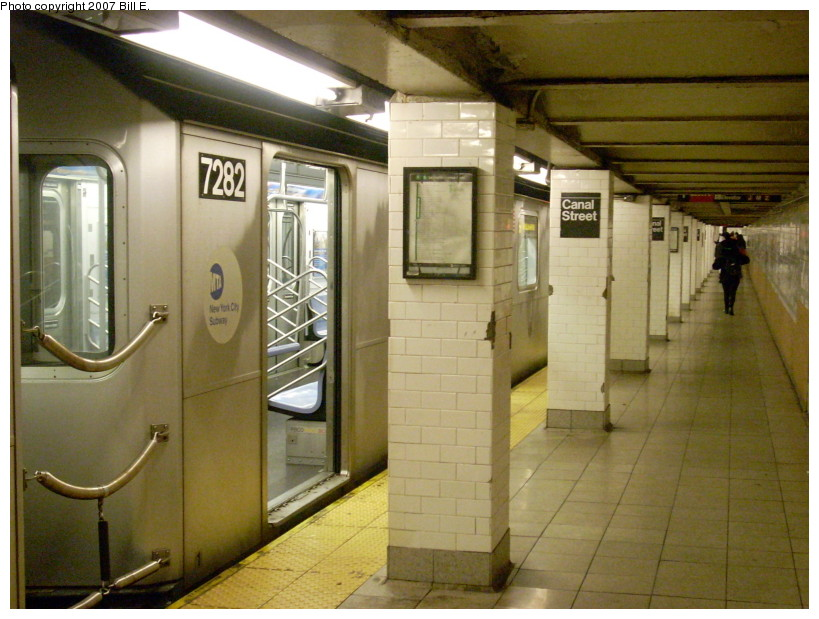 (171k, 819x619)<br><b>Country:</b> United States<br><b>City:</b> New York<br><b>System:</b> New York City Transit<br><b>Line:</b> IRT East Side Line<br><b>Location:</b> Canal Street <br><b>Route:</b> 6<br><b>Car:</b> R-142A (Primary Order, Kawasaki, 1999-2002)  7282 <br><b>Photo by:</b> Bill E.<br><b>Date:</b> 12/16/2007<br><b>Viewed (this week/total):</b> 2 / 3463