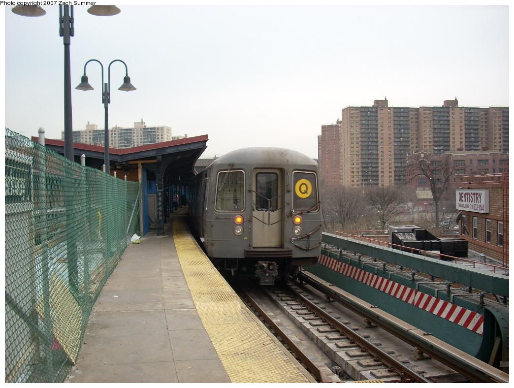 (265k, 1044x788)<br><b>Country:</b> United States<br><b>City:</b> New York<br><b>System:</b> New York City Transit<br><b>Line:</b> BMT Brighton Line<br><b>Location:</b> Ocean Parkway <br><b>Route:</b> Q<br><b>Car:</b> R-68A (Kawasaki, 1988-1989)  5066 <br><b>Photo by:</b> Zach Summer<br><b>Date:</b> 12/9/2007<br><b>Viewed (this week/total):</b> 5 / 2043