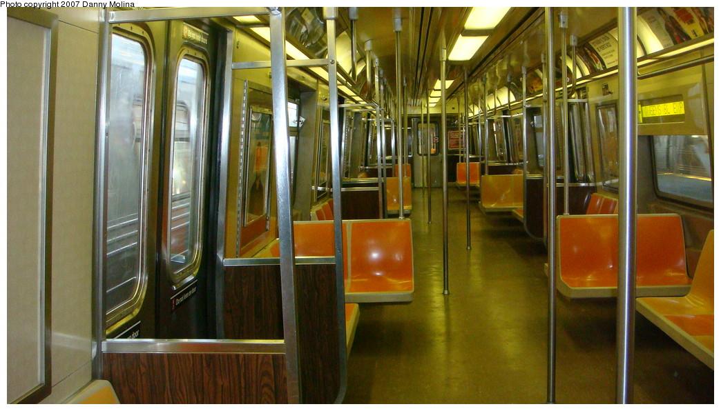 (214k, 1044x596)<br><b>Country:</b> United States<br><b>City:</b> New York<br><b>System:</b> New York City Transit<br><b>Route:</b> F<br><b>Car:</b> R-46 (Pullman-Standard, 1974-75) Interior <br><b>Photo by:</b> Danny Molina<br><b>Date:</b> 11/28/2007<br><b>Viewed (this week/total):</b> 2 / 1555