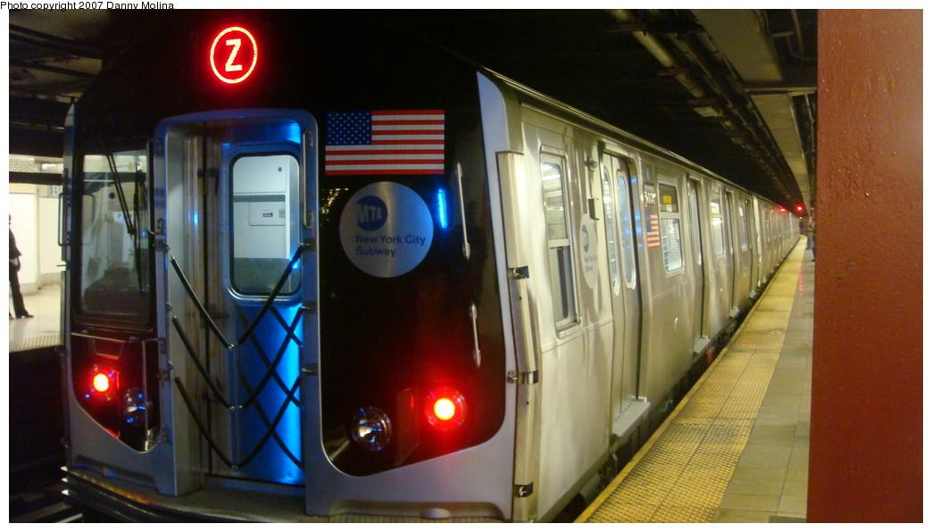 (183k, 1044x596)<br><b>Country:</b> United States<br><b>City:</b> New York<br><b>System:</b> New York City Transit<br><b>Line:</b> BMT Nassau Street/Jamaica Line<br><b>Location:</b> Broad Street <br><b>Route:</b> Z<br><b>Car:</b> R-160A-1 (Alstom, 2005-2008, 4 car sets)  8330 <br><b>Photo by:</b> Danny Molina<br><b>Date:</b> 12/1/2007<br><b>Viewed (this week/total):</b> 1 / 3293