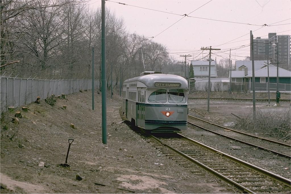 (254k, 1024x681)<br><b>Country:</b> United States<br><b>City:</b> Newark, NJ<br><b>System:</b> Newark City Subway<br><b>Location:</b> Franklin Avenue <br><b>Route:</b> 7-City Subway<br><b>Car:</b> NJTransit/PSCT PCC (Ex-Twin City) (St. Louis Car Co., 1946-1947) 21 <br><b>Photo by:</b> Steve Zabel<br><b>Collection of:</b> Joe Testagrose<br><b>Date:</b> 4/1/1975<br><b>Viewed (this week/total):</b> 0 / 1012