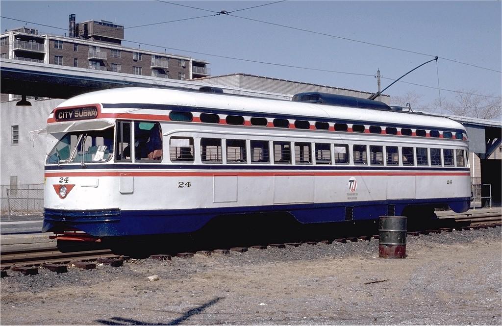 (225k, 1024x665)<br><b>Country:</b> United States<br><b>City:</b> Newark, NJ<br><b>System:</b> Newark City Subway<br><b>Location:</b> Franklin Avenue <br><b>Route:</b> 7-City Subway<br><b>Car:</b> NJTransit/PSCT PCC (Ex-Twin City) (St. Louis Car Co., 1946-1947) 24 <br><b>Photo by:</b> Ed McKernan<br><b>Collection of:</b> Joe Testagrose<br><b>Date:</b> 3/9/1980<br><b>Viewed (this week/total):</b> 2 / 1148