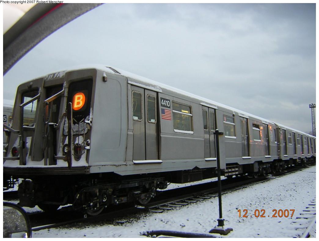 (200k, 1044x788)<br><b>Country:</b> United States<br><b>City:</b> New York<br><b>System:</b> New York City Transit<br><b>Location:</b> Coney Island Yard<br><b>Car:</b> R-40 (St. Louis, 1968)  4410 <br><b>Photo by:</b> Robert Mencher<br><b>Date:</b> 12/2/2007<br><b>Viewed (this week/total):</b> 4 / 2495