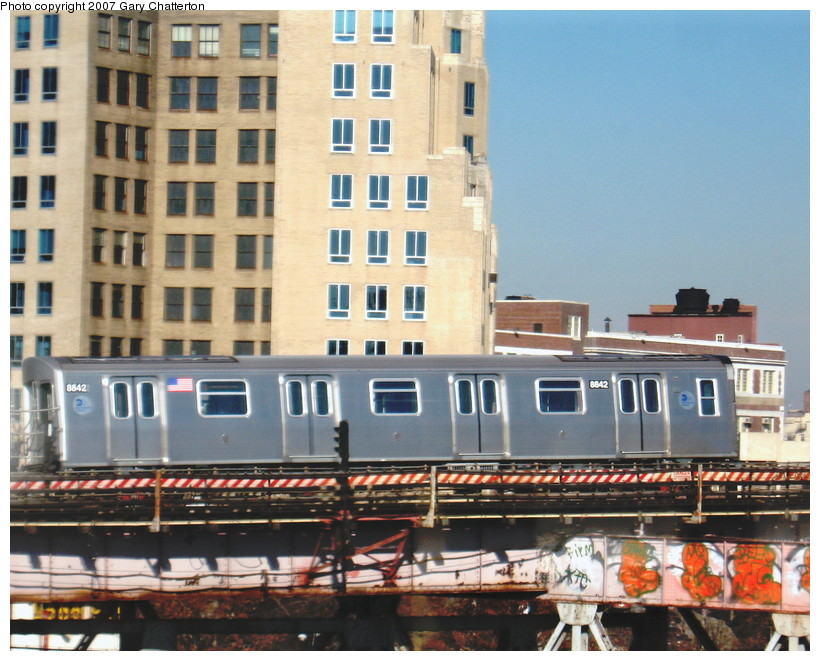 (164k, 820x661)<br><b>Country:</b> United States<br><b>City:</b> New York<br><b>System:</b> New York City Transit<br><b>Line:</b> BMT Astoria Line<br><b>Location:</b> Queensborough Plaza <br><b>Route:</b> N<br><b>Car:</b> R-160B (Kawasaki, 2005-2008)  8842 <br><b>Photo by:</b> Gary Chatterton<br><b>Date:</b> 12/18/2007<br><b>Viewed (this week/total):</b> 1 / 2674