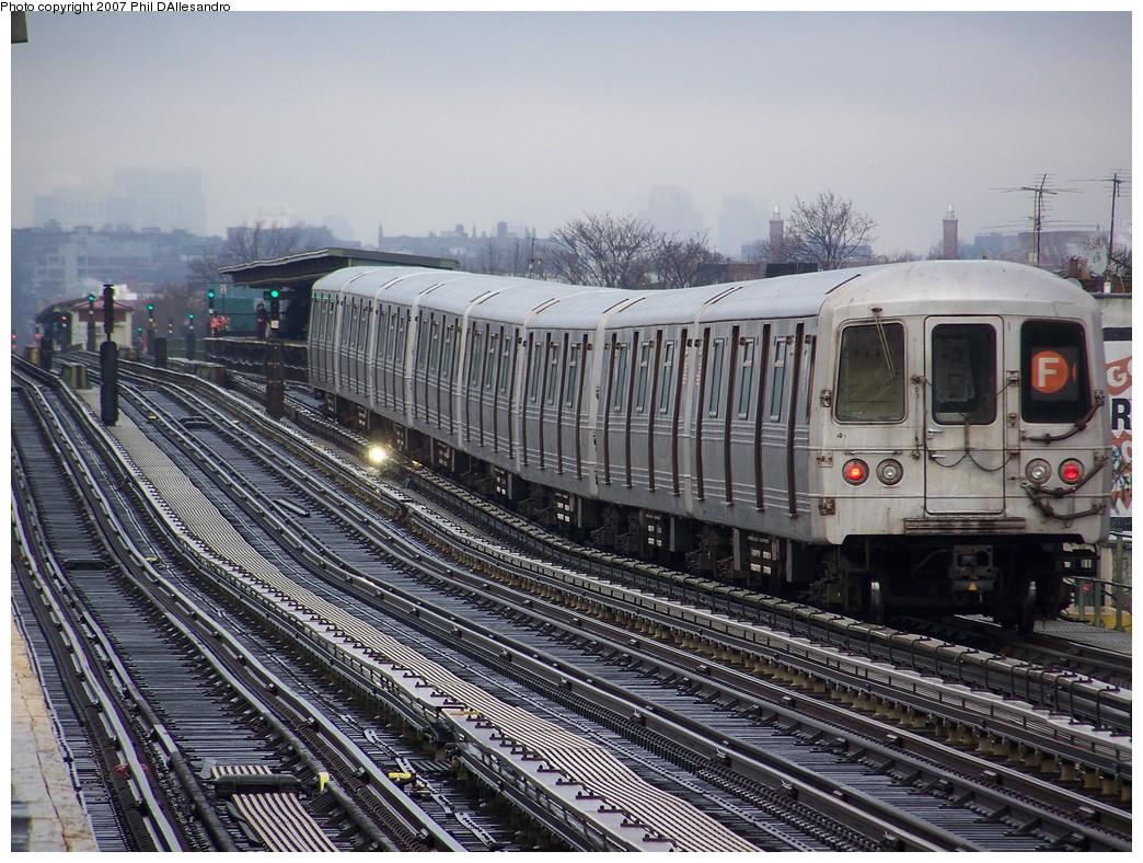 (286k, 1044x788)<br><b>Country:</b> United States<br><b>City:</b> New York<br><b>System:</b> New York City Transit<br><b>Line:</b> BMT Culver Line<br><b>Location:</b> Bay Parkway (22nd Avenue) <br><b>Route:</b> F<br><b>Car:</b> R-46 (Pullman-Standard, 1974-75) 5936 <br><b>Photo by:</b> Philip D'Allesandro<br><b>Date:</b> 12/16/2007<br><b>Viewed (this week/total):</b> 0 / 1693