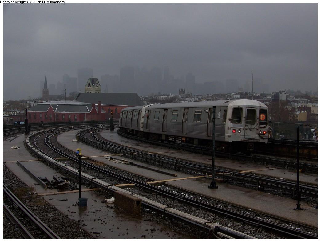 (198k, 1044x788)<br><b>Country:</b> United States<br><b>City:</b> New York<br><b>System:</b> New York City Transit<br><b>Line:</b> IND Crosstown Line<br><b>Location:</b> Smith/9th Street <br><b>Route:</b> F<br><b>Car:</b> R-46 (Pullman-Standard, 1974-75) 6164 <br><b>Photo by:</b> Philip D'Allesandro<br><b>Date:</b> 12/16/2007<br><b>Viewed (this week/total):</b> 0 / 1930